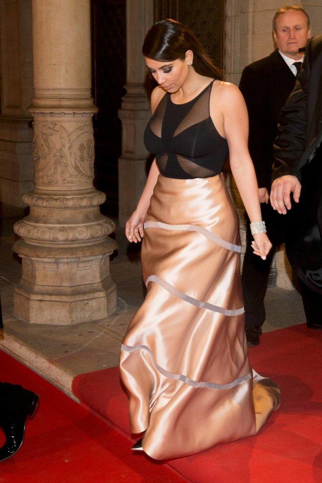 Ким Кардашьян на «58 Wiener Opernball» в Вене: kim-kardashian-5_Starbeat.ru
