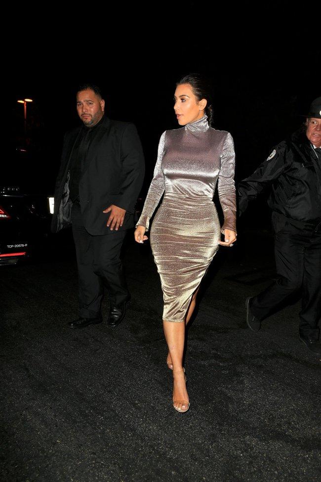 Ким Кардашан продолжает кушать дрожжи, булки растут — их теперь не остановить: kim-kardashian-10_Starbeat.ru