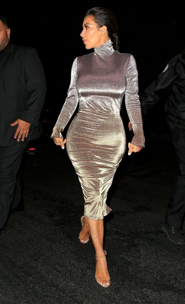 Ким Кардашан продолжает кушать дрожжи, булки растут — их теперь не остановить: kim-kardashian-11_Starbeat.ru