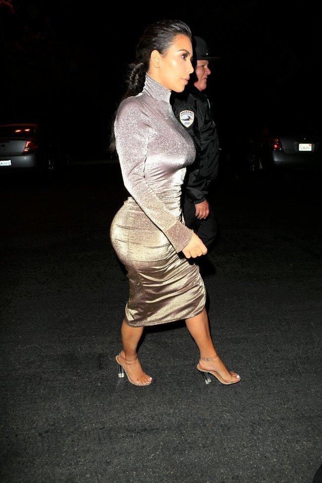 Ким Кардашан продолжает кушать дрожжи, булки растут — их теперь не остановить: kim-kardashian-13_Starbeat.ru