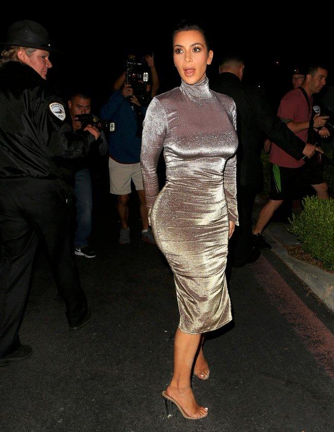 Ким Кардашан продолжает кушать дрожжи, булки растут — их теперь не остановить: kim-kardashian-16_Starbeat.ru