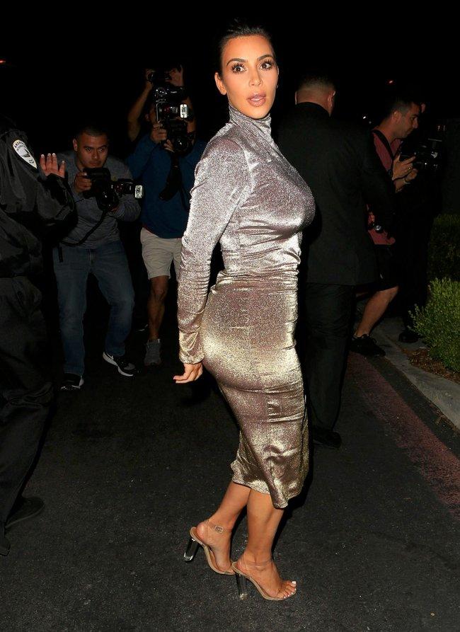 Ким Кардашан продолжает кушать дрожжи, булки растут — их теперь не остановить: kim-kardashian-17_Starbeat.ru