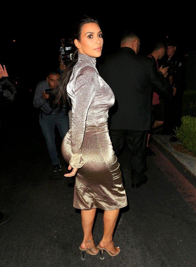 Ким Кардашан продолжает кушать дрожжи, булки растут — их теперь не остановить: kim-kardashian-18_Starbeat.ru