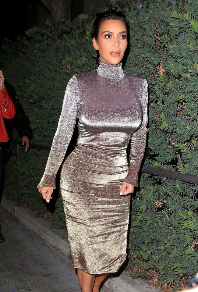 Ким Кардашан продолжает кушать дрожжи, булки растут — их теперь не остановить: kim-kardashian-22_Starbeat.ru