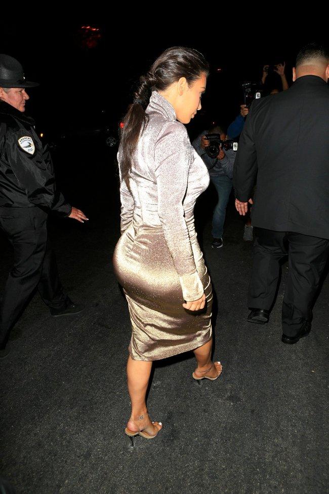 Ким Кардашан продолжает кушать дрожжи, булки растут — их теперь не остановить: kim-kardashian-24_Starbeat.ru