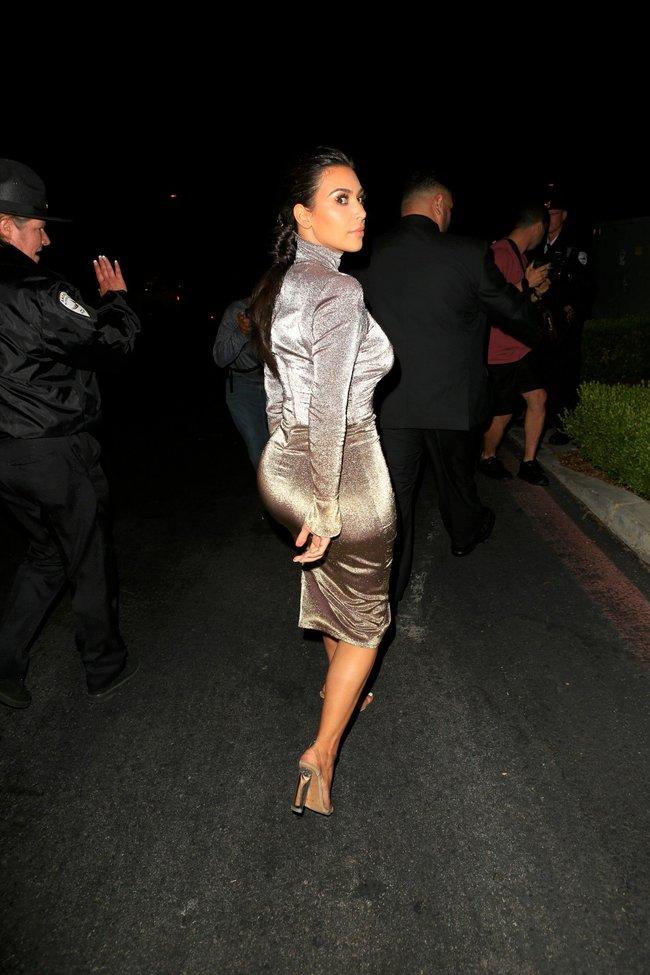 Ким Кардашан продолжает кушать дрожжи, булки растут — их теперь не остановить: kim-kardashian-2_Starbeat.ru