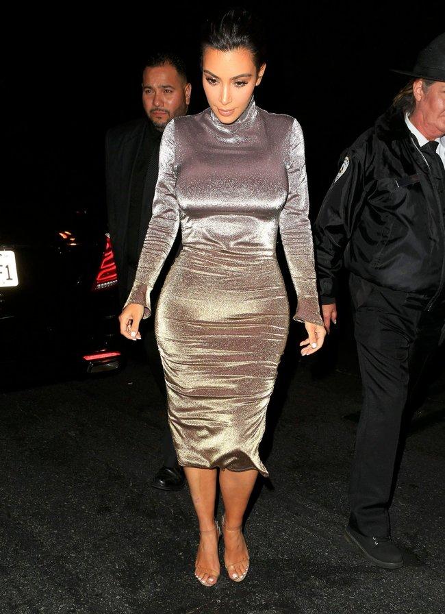 Ким Кардашан продолжает кушать дрожжи, булки растут — их теперь не остановить: kim-kardashian-7_Starbeat.ru