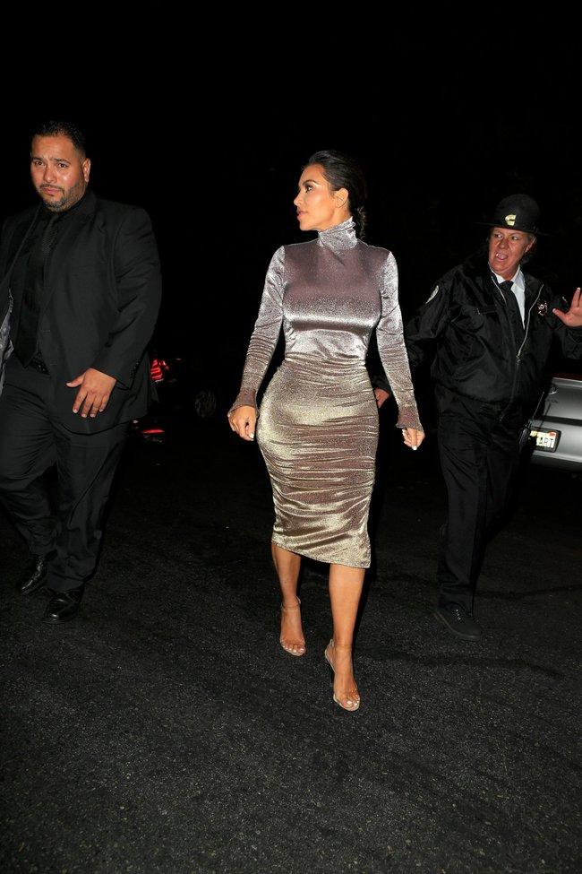 Ким Кардашан продолжает кушать дрожжи, булки растут — их теперь не остановить: kim-kardashian-9_Starbeat.ru