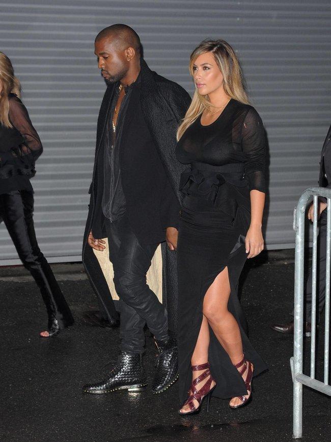 Ким Кардашьян и Канье Уэст на модном показе «Givenchy 2014» в Париже: kim-kardashian-29_Starbeat.ru