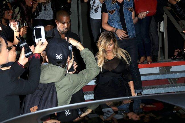 Ким Кардашьян и Канье Уэст на модном показе «Givenchy 2014» в Париже: kim-kardashian-2_Starbeat.ru