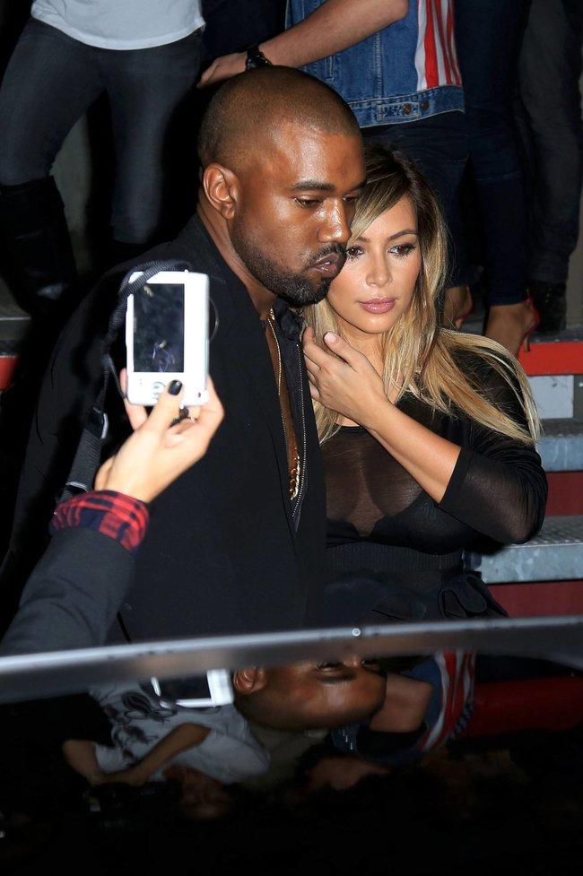Ким Кардашьян и Канье Уэст на модном показе «Givenchy 2014» в Париже: kim-kardashian-3_Starbeat.ru