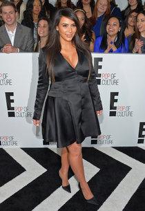 Вечеринка «E! 2013»: беременная Ким Кардашьян: kim-kardashian---e-2013-upfront--01_Starbeat.ru