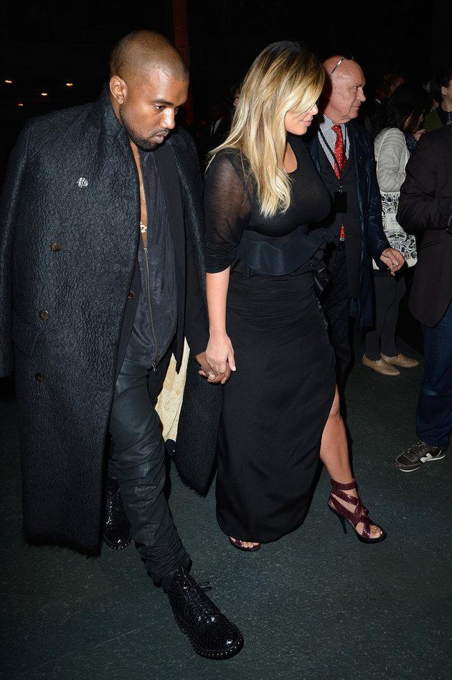 Ким Кардашьян и Канье Уэст на модном показе «Givenchy 2014» в Париже: kim-kardashian-fashion-show-2013-in-paris--07_Starbeat.ru