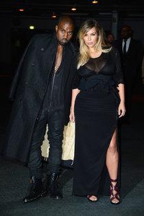 Ким Кардашьян и Канье Уэст на модном показе «Givenchy 2014» в Париже: kim-kardashian-fashion-show-2013-in-paris--15_Starbeat.ru