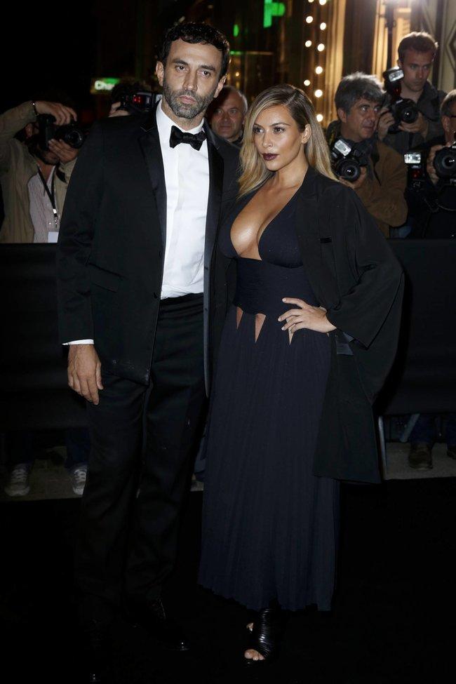 Ким Кардашьян на вечеринке в честь выхода фильма «Mademoiselle C»: kim-kardashian-13_Starbeat.ru