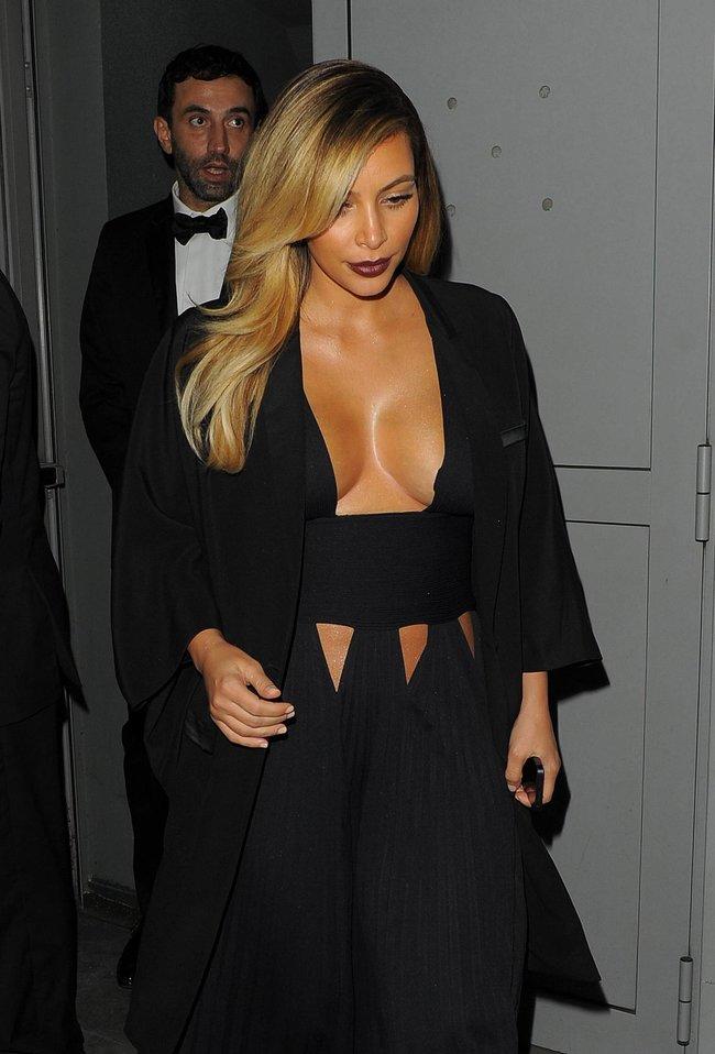 Ким Кардашьян на вечеринке в честь выхода фильма «Mademoiselle C»: kim-kardashian-31_Starbeat.ru