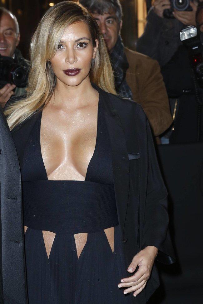 Ким Кардашьян на вечеринке в честь выхода фильма «Mademoiselle C»: kim-kardashian-81_Starbeat.ru