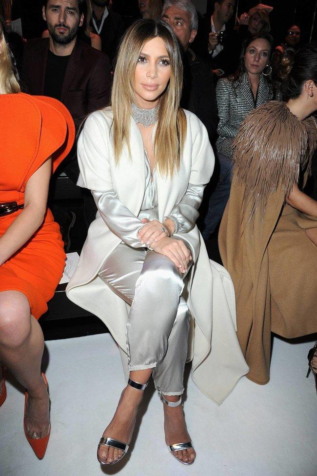 Ким Кардашьян на модном показе «Stephane Rolland» в Париже: kim-kardashian-142_Starbeat.ru