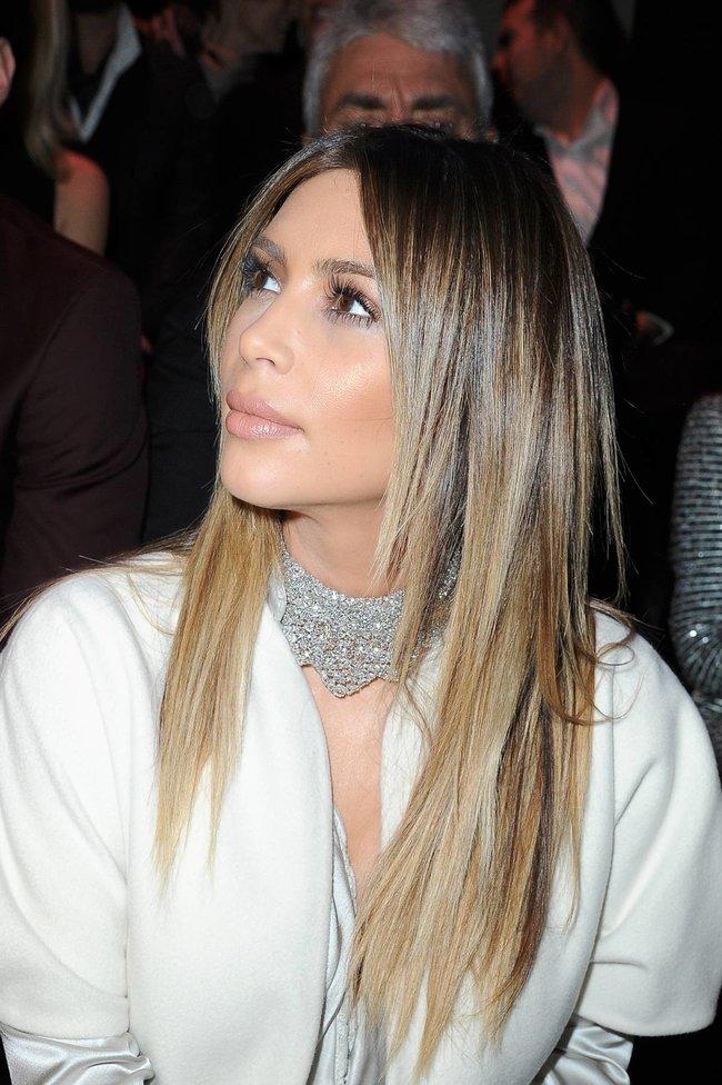 Ким Кардашьян на модном показе «Stephane Rolland» в Париже: kim-kardashian-82_Starbeat.ru