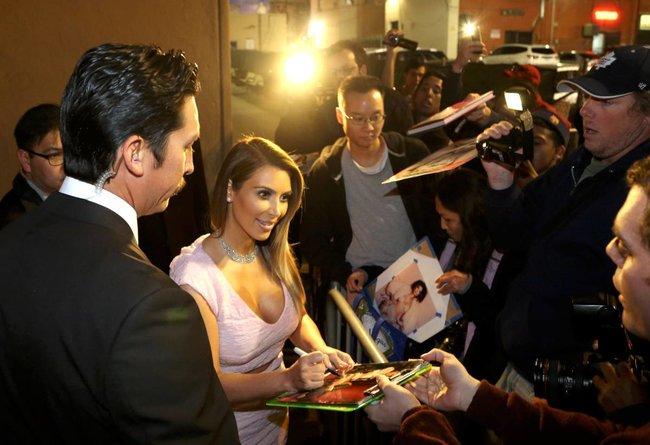 Ким Кардашьян на шоу Джимми Фэллона в Голливуде: kim-kardashian-103_Starbeat.ru