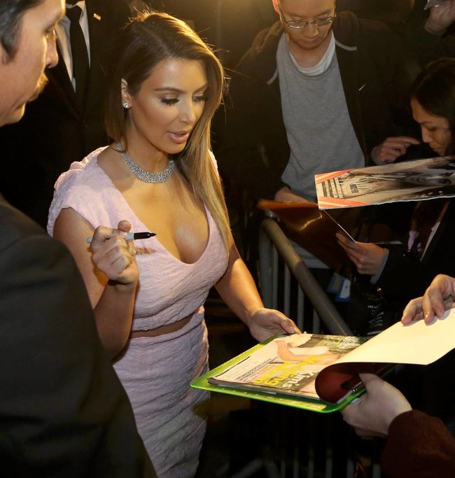 Ким Кардашьян на шоу Джимми Фэллона в Голливуде: kim-kardashian-123_Starbeat.ru