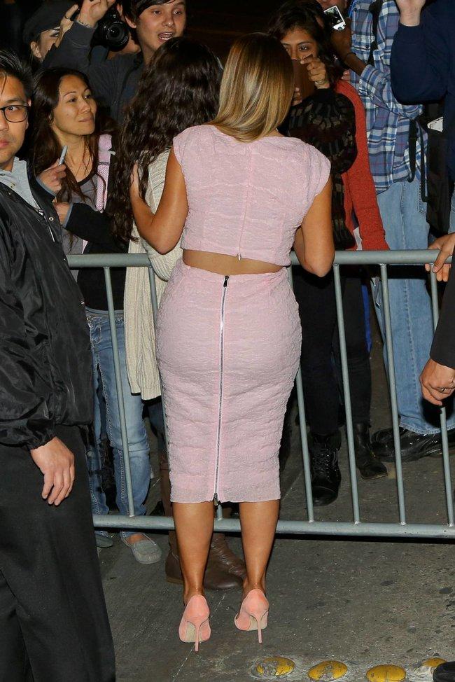 Ким Кардашьян на шоу Джимми Фэллона в Голливуде: kim-kardashian-45_Starbeat.ru