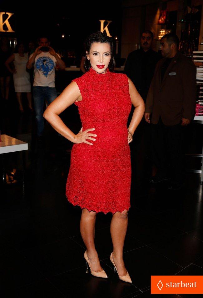 Ким Кардашьян представила свой новый аромат «Glam»: pregnant-kim-kardashian-glam-perfume-promotion-in-las-vegas-01_Starbeat.ru