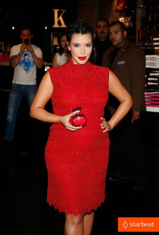Ким Кардашьян представила свой новый аромат «Glam»: pregnant-kim-kardashian-glam-perfume-promotion-in-las-vegas-18_Starbeat.ru