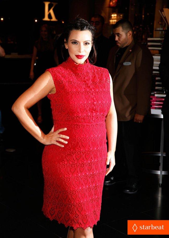 Ким Кардашьян представила свой новый аромат «Glam»: pregnant-kim-kardashian-glam-perfume-promotion-in-las-vegas-20_Starbeat.ru