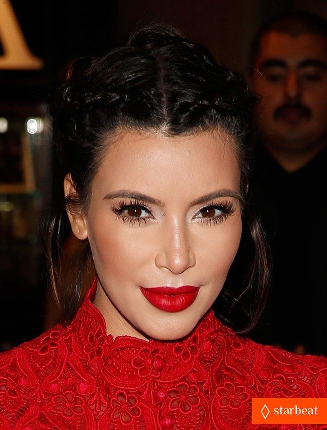Ким Кардашьян представила свой новый аромат «Glam»: pregnant-kim-kardashian-glam-perfume-promotion-in-las-vegas-21_Starbeat.ru