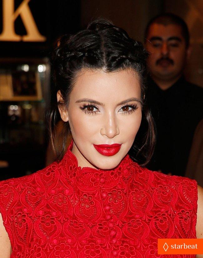 Ким Кардашьян представила свой новый аромат «Glam»: pregnant-kim-kardashian-glam-perfume-promotion-in-las-vegas-23_Starbeat.ru