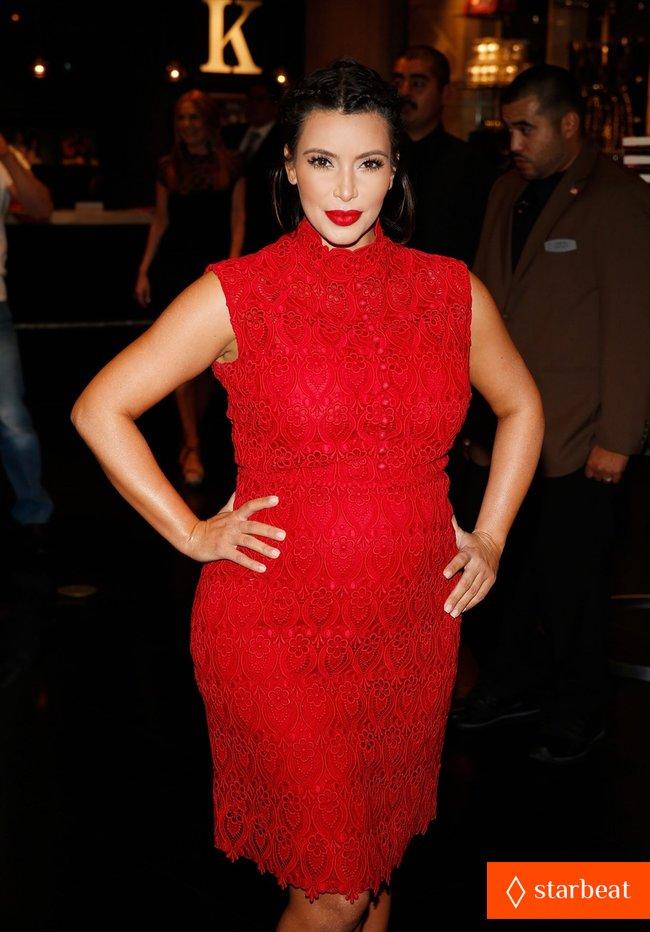 Ким Кардашьян представила свой новый аромат «Glam»: pregnant-kim-kardashian-glam-perfume-promotion-in-las-vegas-24_Starbeat.ru