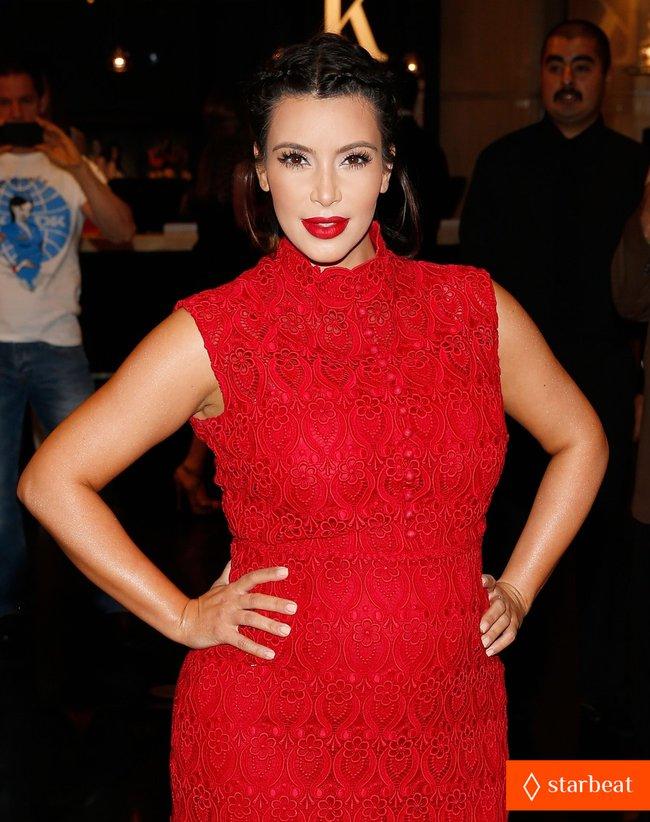 Ким Кардашьян представила свой новый аромат «Glam»: pregnant-kim-kardashian-glam-perfume-promotion-in-las-vegas-27_Starbeat.ru
