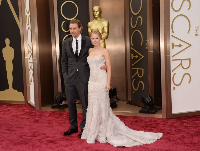 Кристен Белл прошлась по красной дорожке «Оскара 2014»