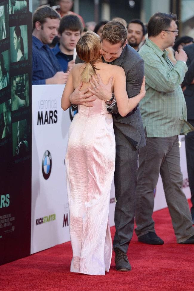 Кристен Белл на премьере фильма «Вероника Марс» в Голливуде: kristen-bell-veronica-mars-premiere--12_Starbeat.ru