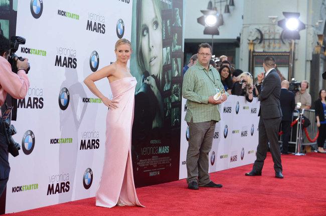 Кристен Белл на премьере фильма «Вероника Марс» в Голливуде: kristen-bell-veronica-mars-premiere--14_Starbeat.ru
