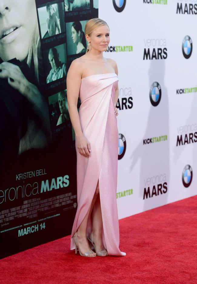 Кристен Белл на премьере фильма «Вероника Марс» в Голливуде: kristen-bell-veronica-mars-premiere--16_Starbeat.ru