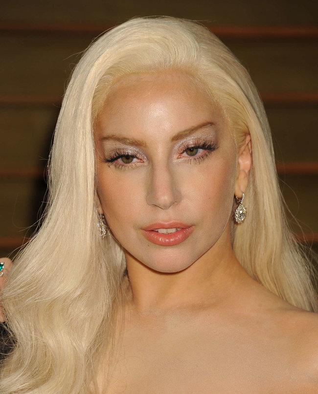 Леди Гага: красная дорожка вечера «Vanity Fair»: lady-gaga-oscar-2014---vanity-fair-party--02_Starbeat.ru
