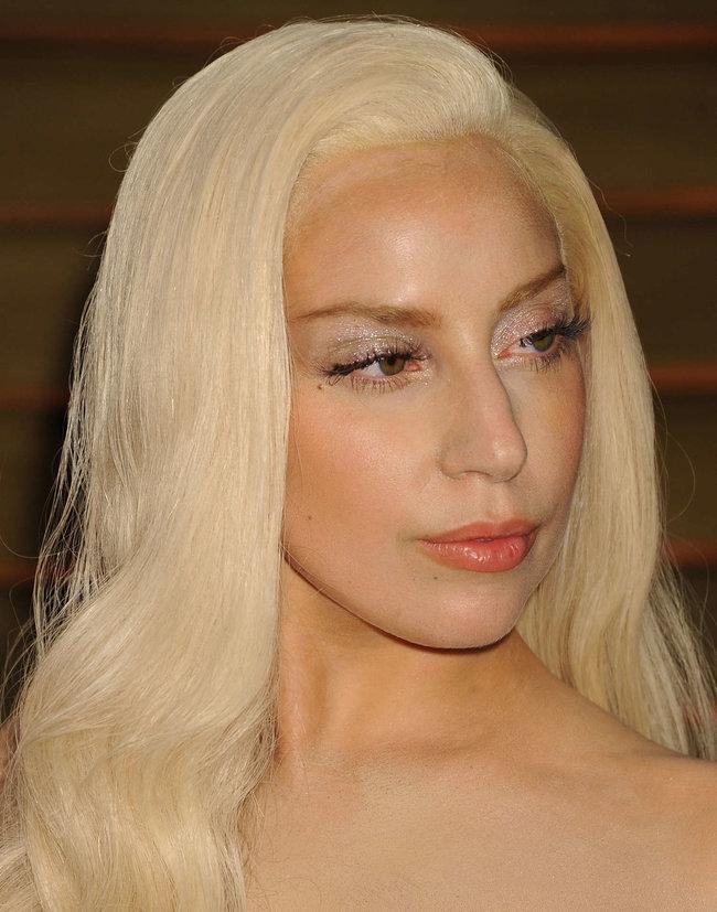 Леди Гага: красная дорожка вечера «Vanity Fair»: lady-gaga-oscar-2014---vanity-fair-party--05_Starbeat.ru