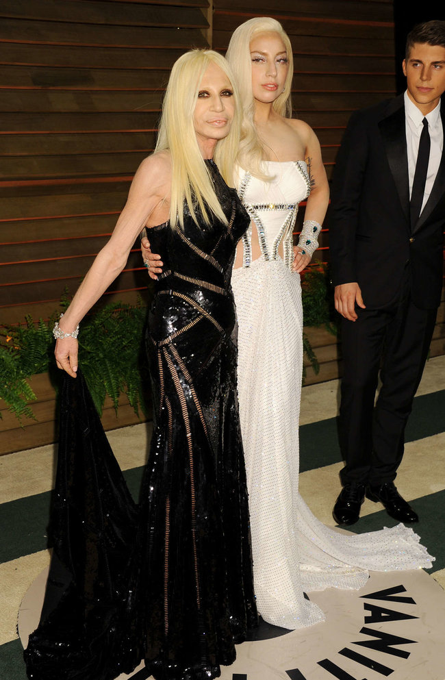 Леди Гага: красная дорожка вечера «Vanity Fair»: lady-gaga-oscar-2014---vanity-fair-party--07_Starbeat.ru