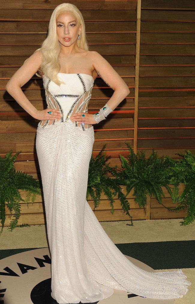 Леди Гага: красная дорожка вечера «Vanity Fair»: lady-gaga-oscar-2014---vanity-fair-party--08_Starbeat.ru