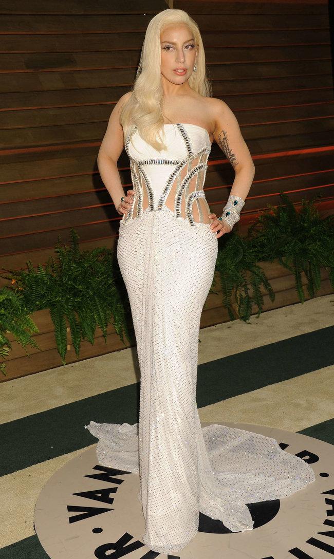 Леди Гага: красная дорожка вечера «Vanity Fair»: lady-gaga-oscar-2014---vanity-fair-party--09_Starbeat.ru