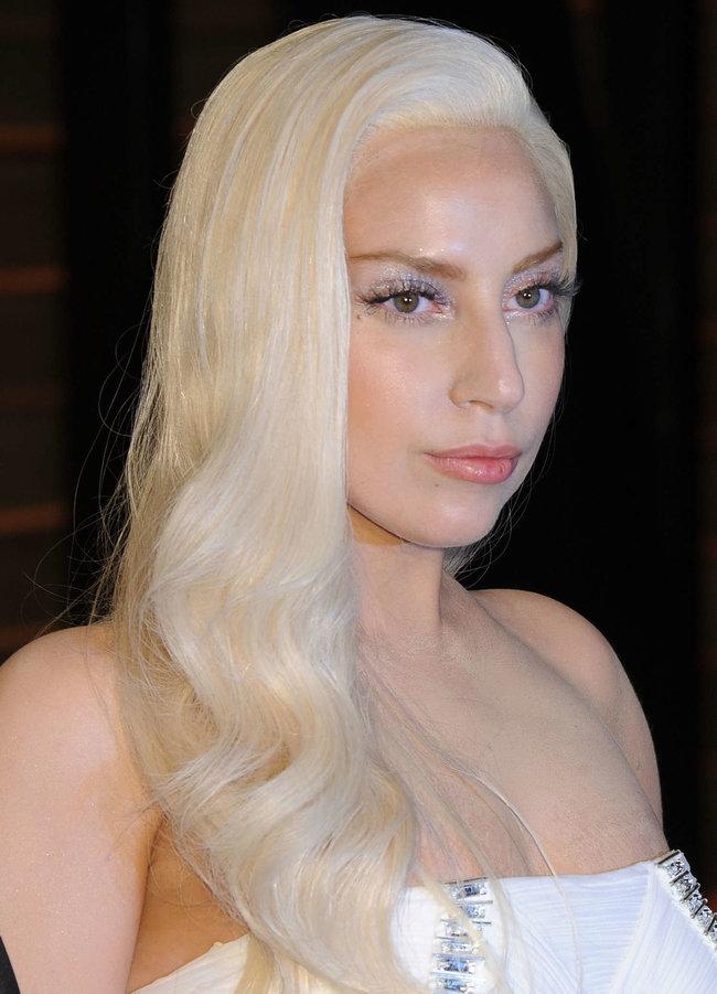 Леди Гага: красная дорожка вечера «Vanity Fair»: lady-gaga-oscar-2014---vanity-fair-party--10_Starbeat.ru