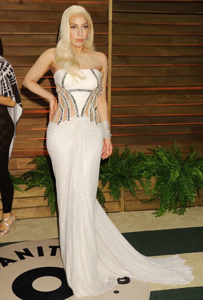 Леди Гага: красная дорожка вечера «Vanity Fair»: lady-gaga-oscar-2014---vanity-fair-party--12_Starbeat.ru