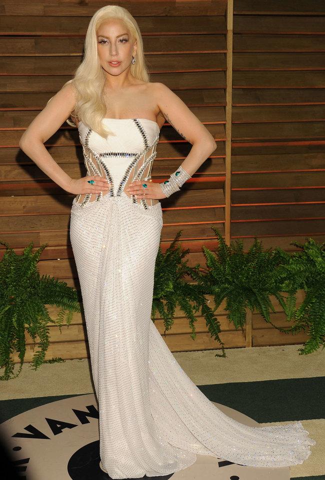 Леди Гага: красная дорожка вечера «Vanity Fair»: lady-gaga-oscar-2014---vanity-fair-party--15_Starbeat.ru