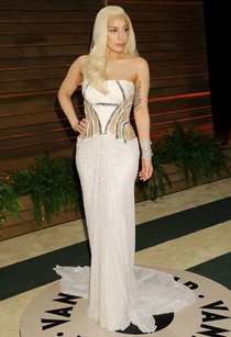 Леди Гага: красная дорожка вечера «Vanity Fair»: lady-gaga-oscar-2014---vanity-fair-party--01_Starbeat.ru