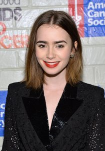 «Hollywood Stands Up To Cancer»: Лили Коллинз: lily-collins-2014-hollywood-stands-up-to-cancer-event--01_Starbeat.ru