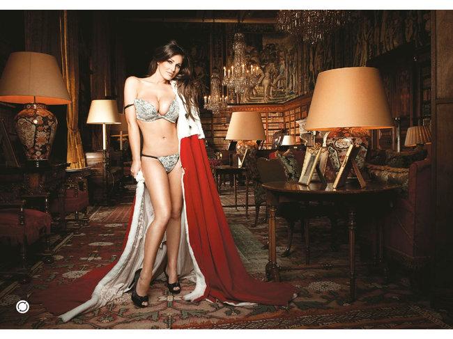 Британская модель Люси Пиндер в коллекционном издании «Nuts»: 37-lucy-pinder-36_Starbeat.ru