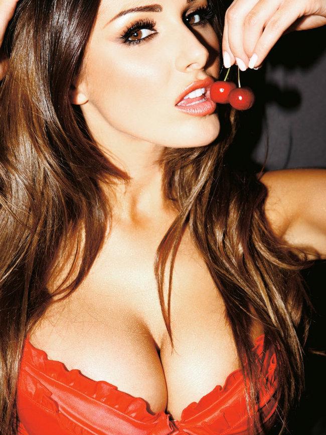 Британская модель Люси Пиндер в коллекционном издании «Nuts»: 46-lucy-pinder-40_Starbeat.ru