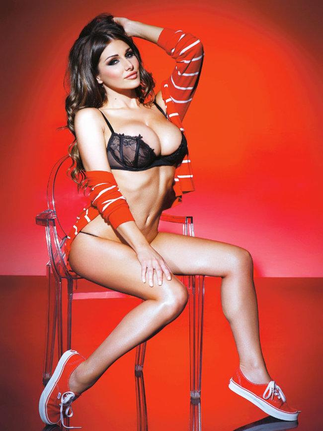 Британская модель Люси Пиндер в коллекционном издании «Nuts»: 50-lucy-pinder-52_Starbeat.ru